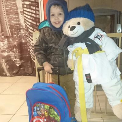 Jean Marcel et Nolan vont à l'école